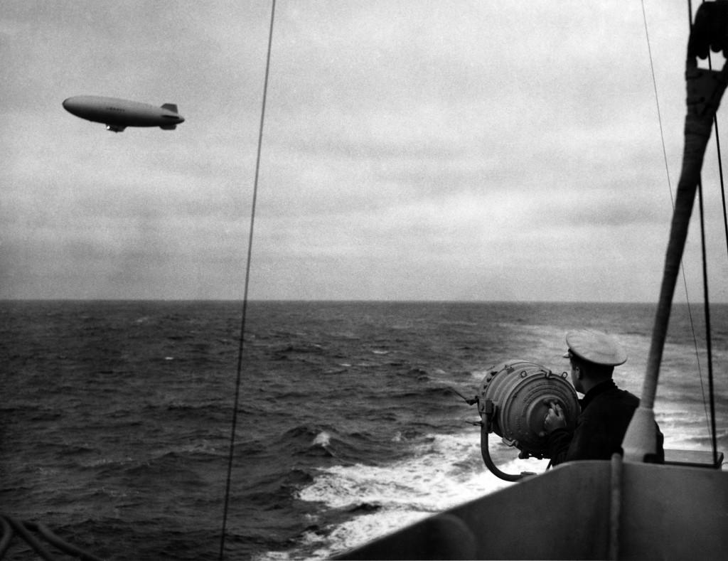 1943 - USS Duane Signaling Navy Blimp